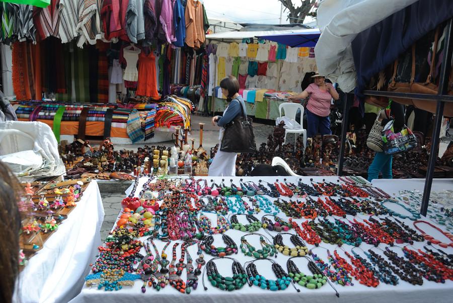 """Du finner """"alt"""" på markedet i Otavalo"""